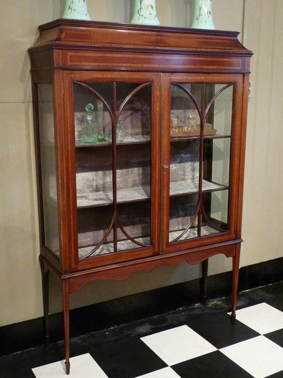 Antieke Mahonie Vitrinekast.Antieke Mahonie Engelse Vitrinekast Antique Timeless